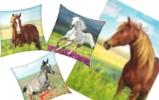 plaids et coussins cheval